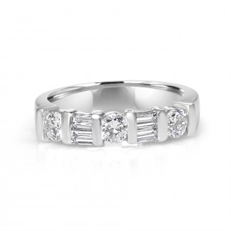 14k w/g bagutte & round diamond band 1.30ctw